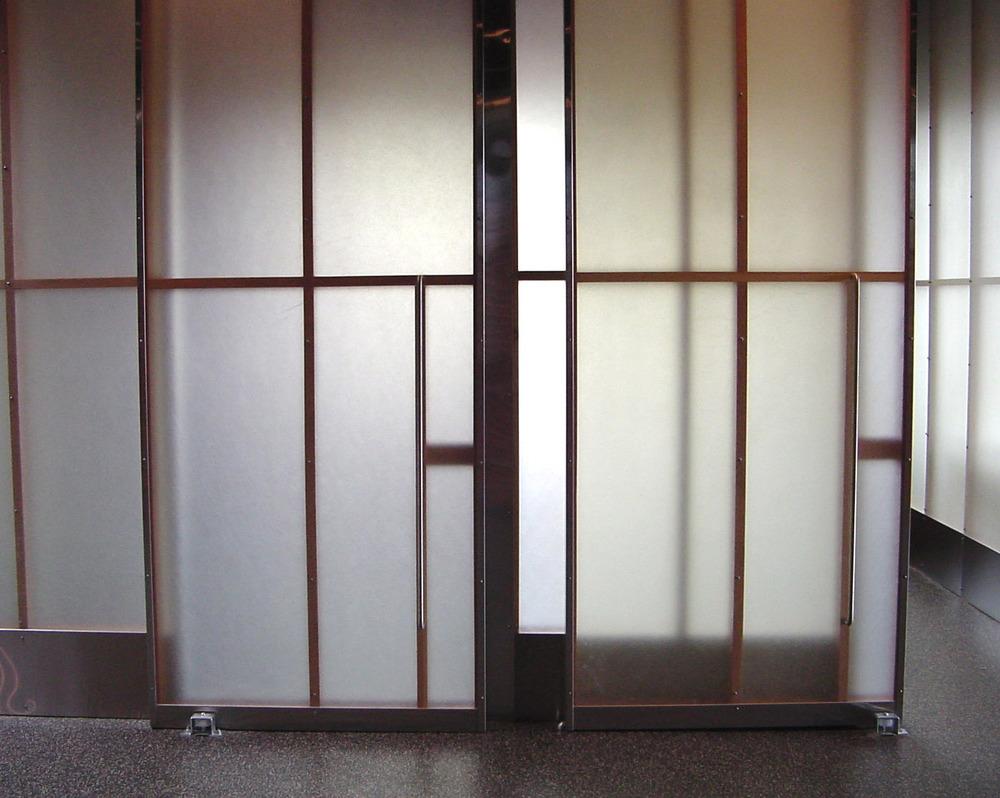 16_slidingdoor.jpg