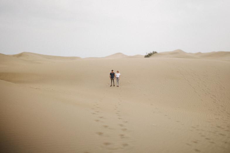 serafin-castillo-gran-canaria-engagement-dunes-fotografo-de-bodas-11.jpg