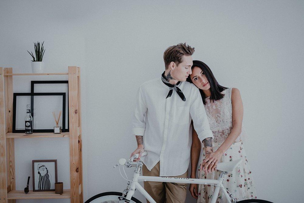 Serafin Castillo Fotografo de bodas sesion en casa intimate wedding photographer (101 de 295).jpg