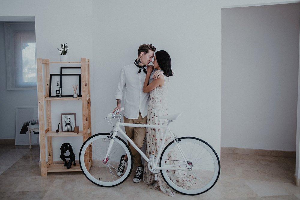 Serafin Castillo Fotografo de bodas sesion en casa intimate wedding photographer (117 de 295).jpg