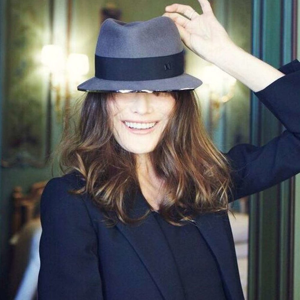 blanc blog hat carla bruni.jpg