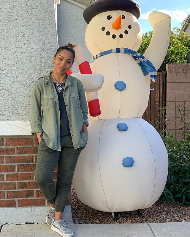 When your daughter who's taking the picture says we have to get all of Frosty! 😂 . . #lifestyleblogger #phoenixblogger #affordablefashion #effortlessstyle #fashion #beauty #lookbook #fashionbeautyblogger #workingmom #style #casual #petitefashion #styleinspiration #momprenuer #momentrepenuer #beautyblogger #fashionblogger #girlboss #gilbertblogger #chandlerblogger #momblogger #bossbabe #styleblogger #casualoutfit #basics #momwear #momfashion #momwithstyle #betterbeauty