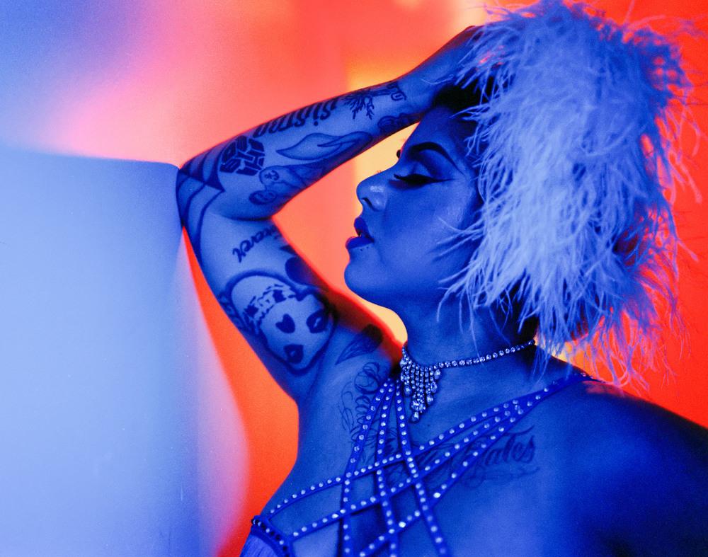 BurlesqueColor_Ali.jpg