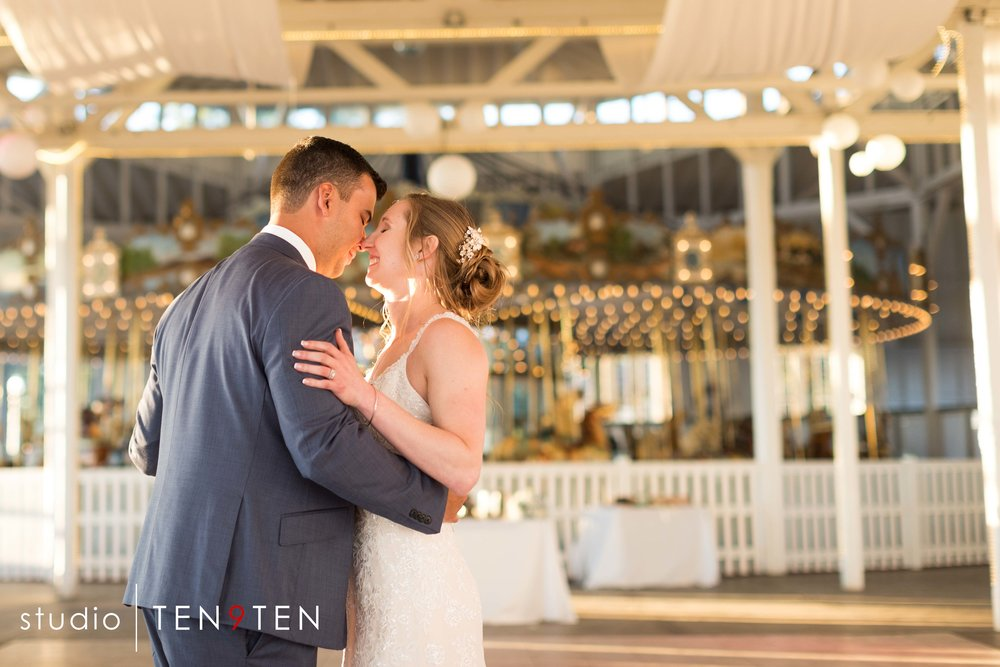 carousel wedding photography