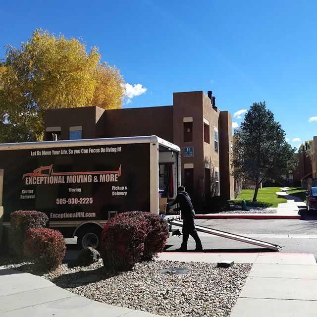 It was an exceptional day to move.  #sunny #november #santafe #apartment #moving #exceptional #day