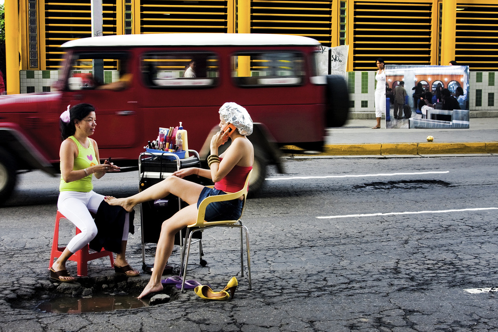 Violette Bule, La Manicurista Munoz , 2009