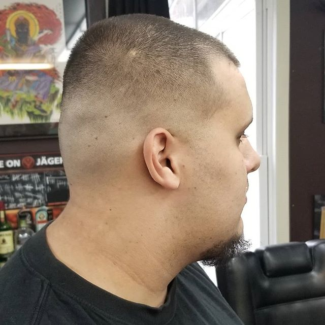 Done by @ihatenicolascage. We are booking up for tomorrow quick. call to make your appointments. (603)224-1123 #chromebarbershop #603barber #concordnhbarber #concordnh  #barbershoplife #menshairstyle #theshopatchrome #showcasebarber #barberhub #hairstyling #Barber #barbershop #barberlife #barbershopconnect #barber_soul #barbering #barbers #barberlove #barbergang #hair #haircut #hairstyle #menshair