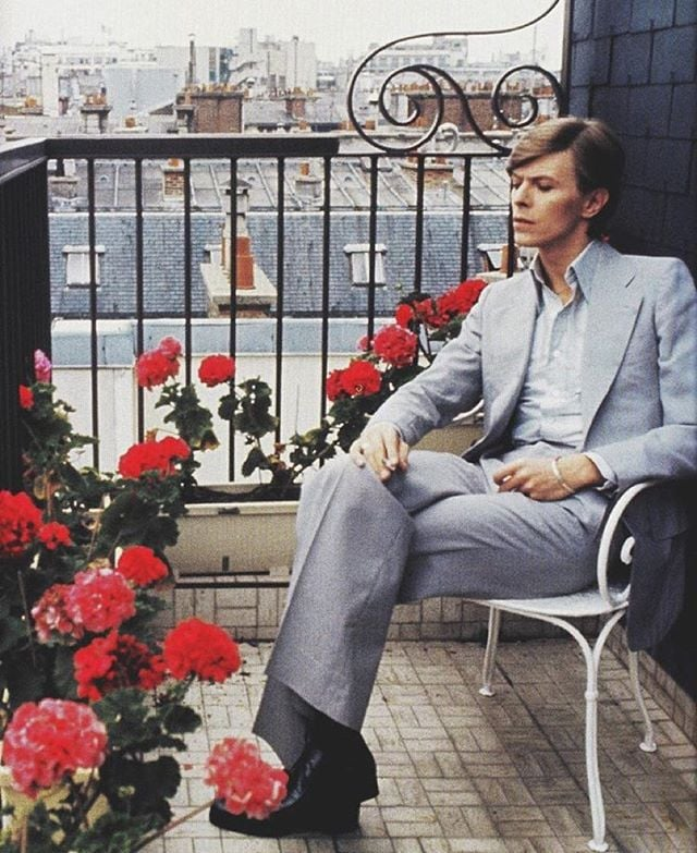 """Getting inspired to create again thanks to this one 🌹 If you haven't already, check out the #Showtime documentary, """"David Bowie: Five Years."""" It's a beautifully curated glimpse into his creative process and various close partnerships he formed over the years. 📸: @misterspoils"""