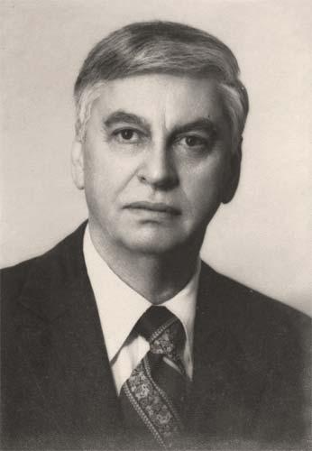 Dr. Adolfo Molina Orantes.jpg