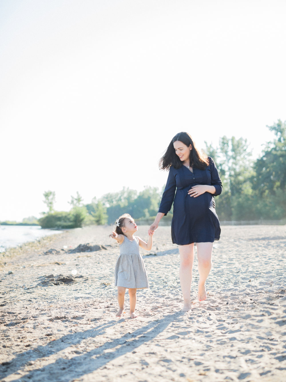 Elza Photographie - Toronto maternity photographer - Film and digital - Bright and airy - Mastin Labs - Motherhood