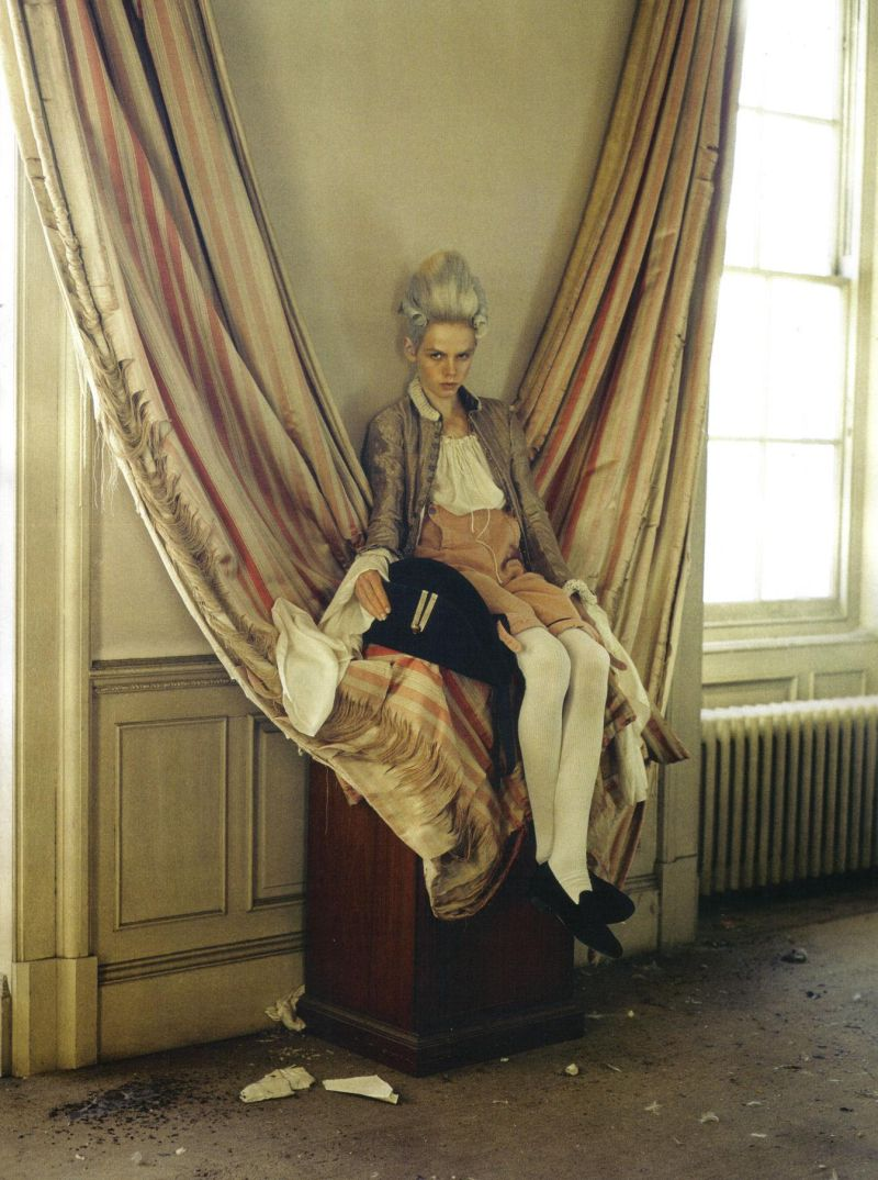 stella-tennant-imogen-morris-clarke-by-tim-walker-for-vogue-italy-march-2010-lady-grey-02.jpg