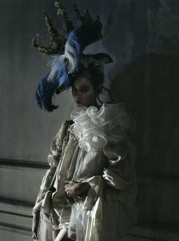 stella-tennant-imogen-morris-clarke-by-tim-walker-for-vogue-italy-march-2010-lady-grey-181.jpg
