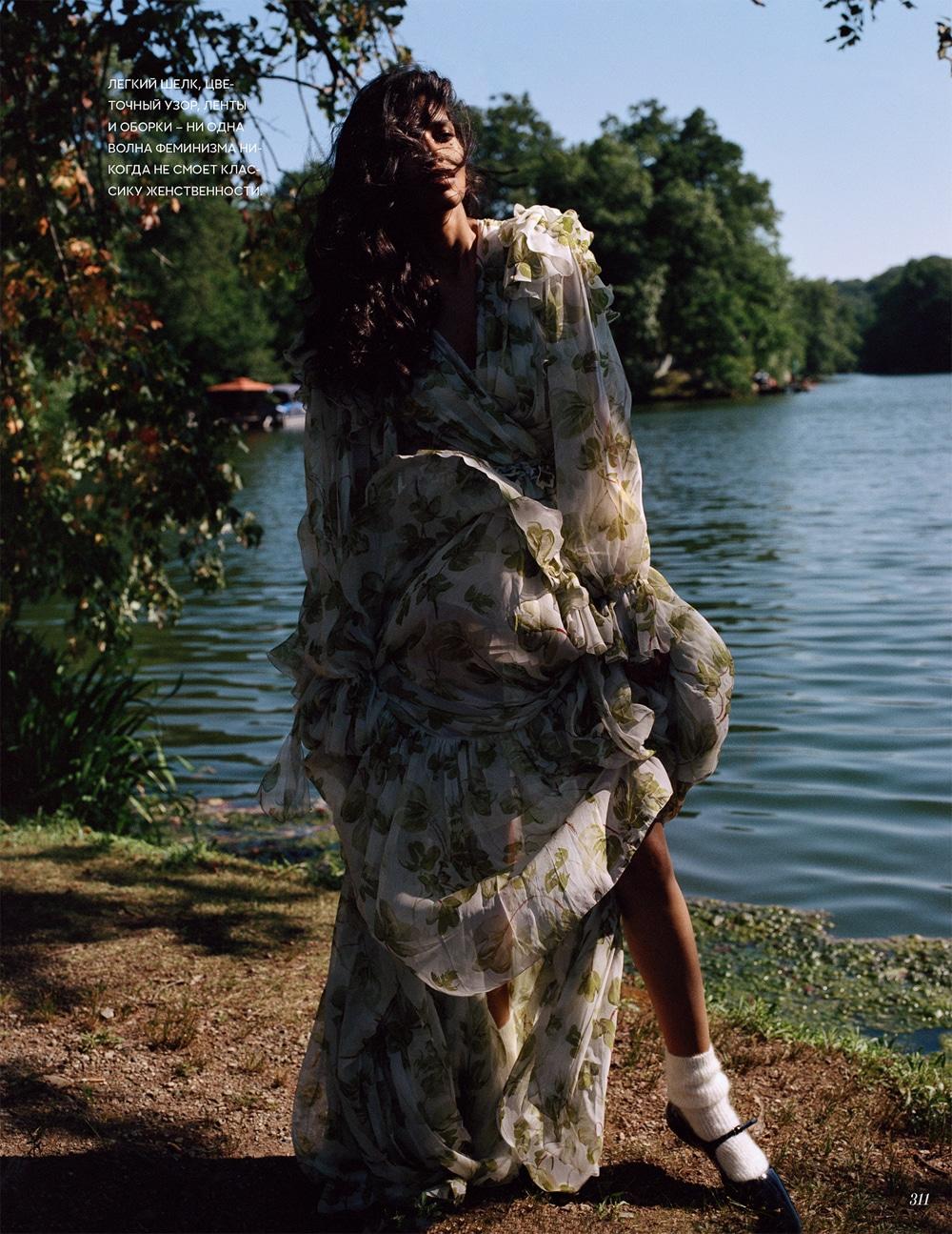 Vogue-Russia-Pooja-Mor-Buzz-White-6.jpg