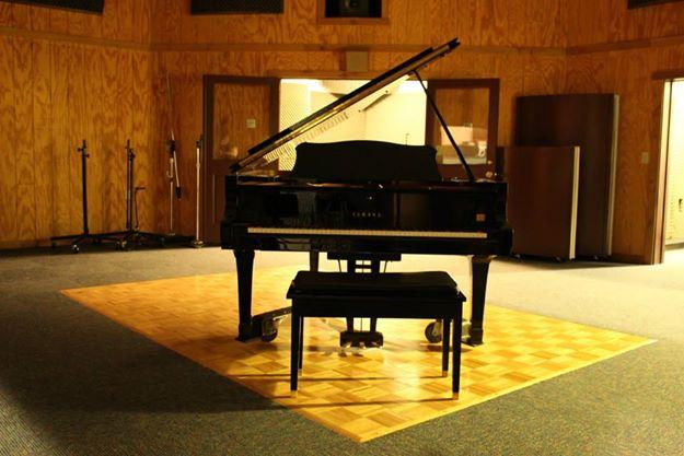 Piano 1.jpg