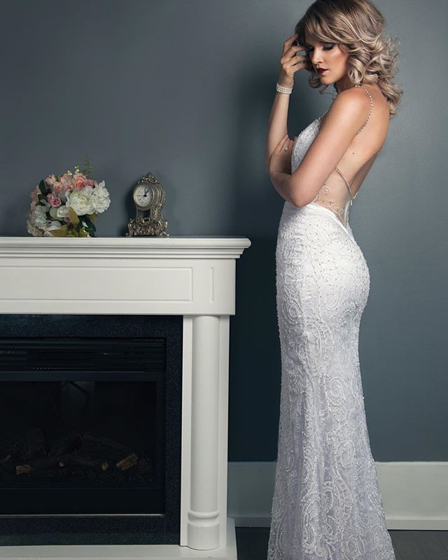 @annalangbridal is most definitely the chicest boutique in Winnipeg! The 2016 Lookbook has to be one of my fave shoots this year!  #annalangbridal #winnipegbrides #weddingphotographer #bridalfashion #beauty #fashionphotography #weddinggowns #bridalportrait #studio #bowens #winnipegweddings