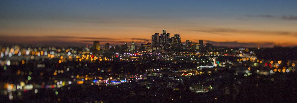 Los Angeles, California street lights at sundown Photo of Bryant Nix Copyright © Bryant Nix | prints available bryantnixphotograpyhy@gmail.com