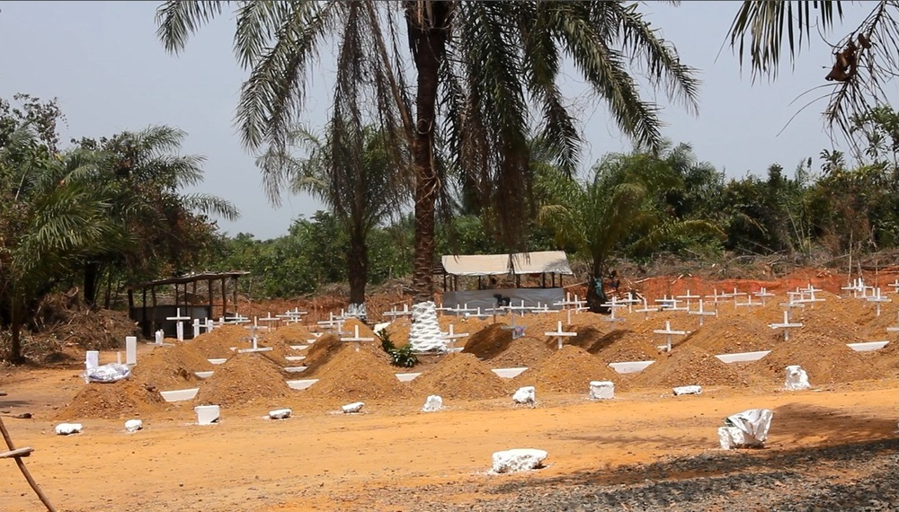 Disco Hill Cemetery was opened outside of Monrovia in December 2014 to accommodate the rising Ebola death toll and to allow victims to be buried in a safe and dignified way. (Nurudeen Sanni/IFRC)