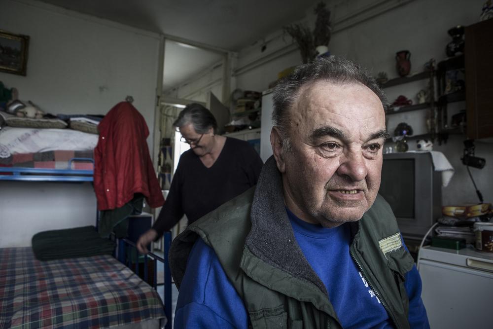 Milan et Dusanka, de Croatie, sont des réfugiés de la guerre de Bosnie. Ils vivent au centre Krnjaca depuis 1995