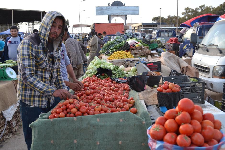 Le marché aux légumes reste ouvert, mais le commerce fonctionne au ralenti