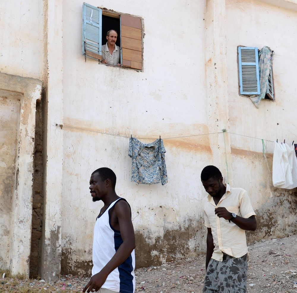 هناك تفاعل محدود بين المغاربة والمهاجرين