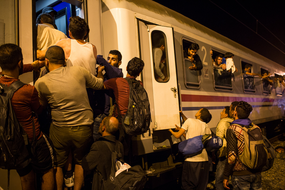 With only about two trains a day departing from Tovarnik, the number of waiting passengers far exceeds the available space and authorities struggle to ensure that families with children are given priority.