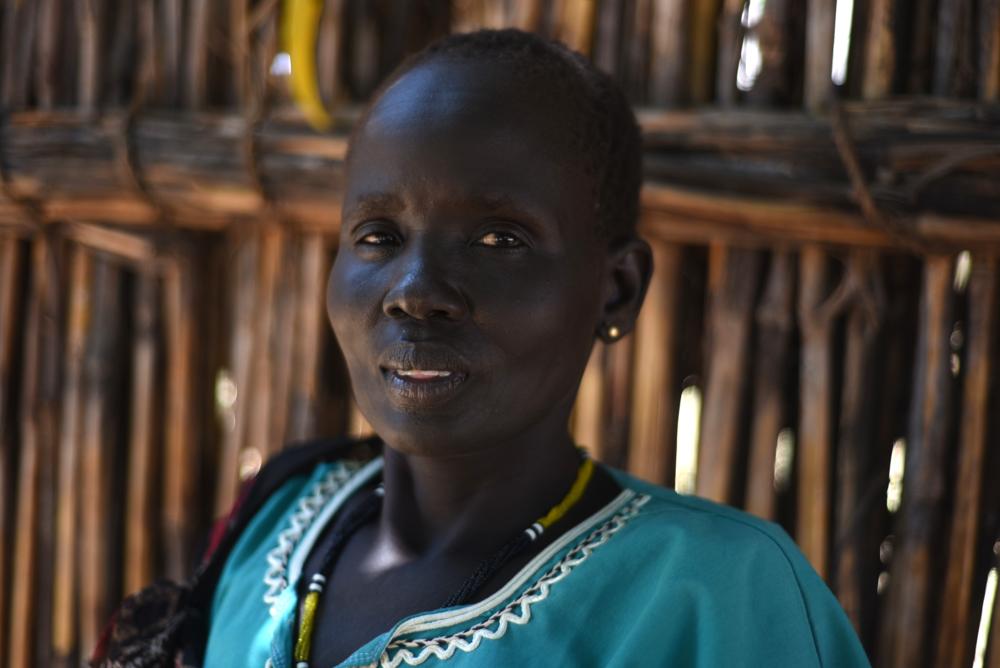 Angelina Nyadiechni, mère   « Nous irons sur les îles et nous attendrons que le calme revienne là-bas. Nous aimons notre chez-nous. La maison, c'est la maison. »