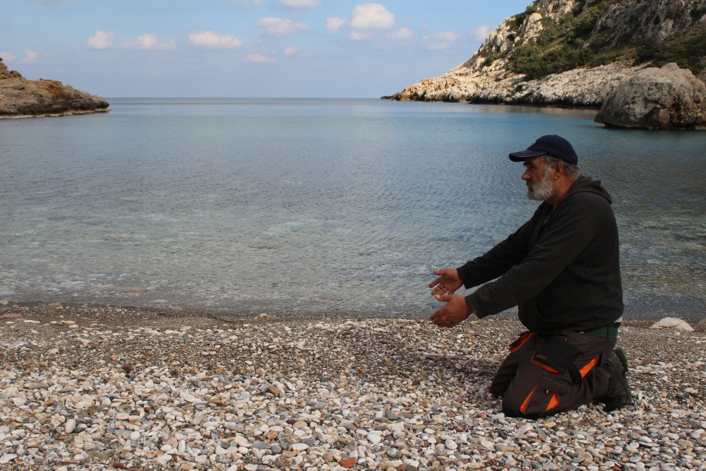 Migrants who reach the Greek island of Ikaria rarely arrive there alive (John Psaropoulos)
