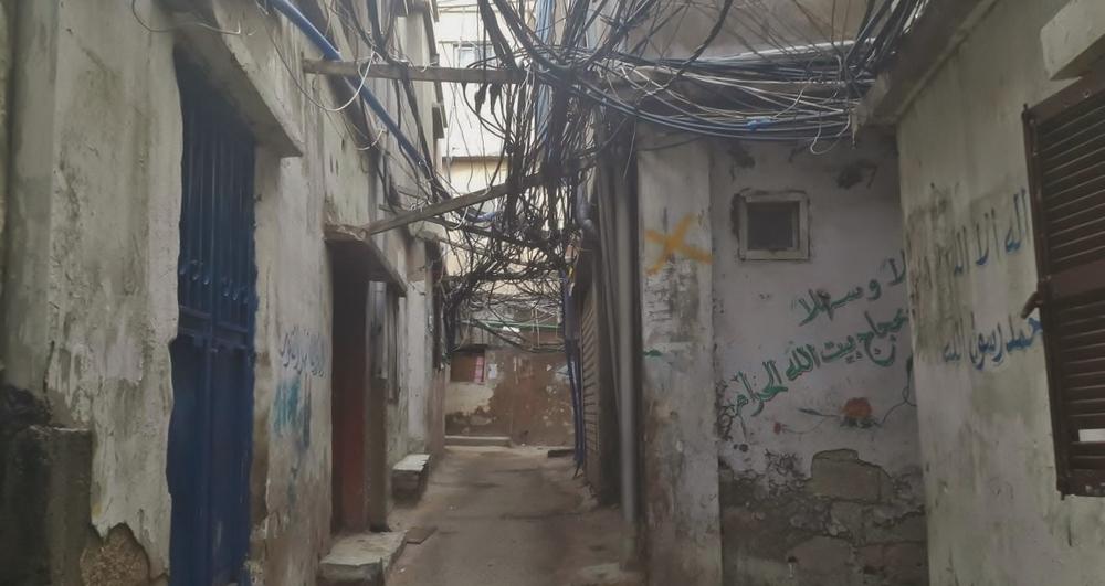في بعض الأحيان تكون شبكة الكابلات الكهربائية سميكة لدرجة أنها تحجب الضوء