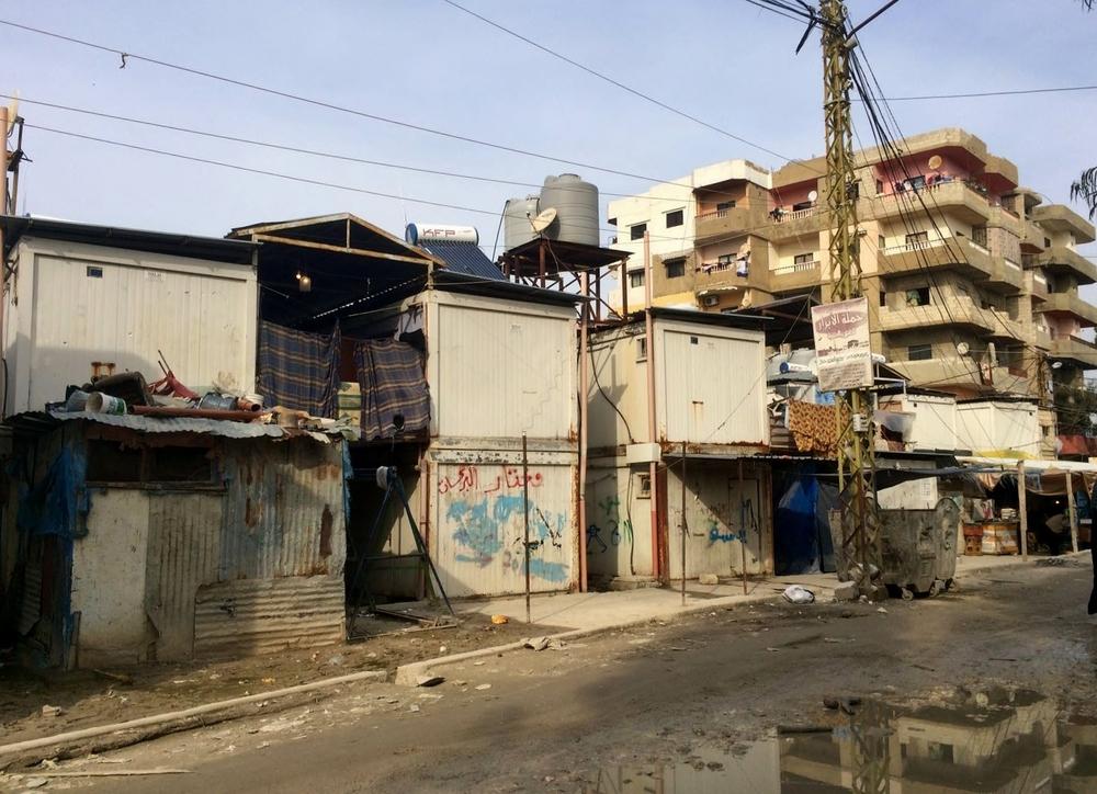 بعد ثماني سنوات من انتهاء الصراع، لا يزال الكثيرون لا يملكون منازل مناسبة للإقامة