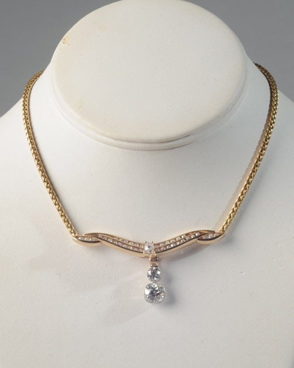 14k Gold and Diamond Necklace - Sold for $8,62512/19/2015