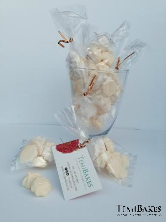 meringue kisses (party favors)