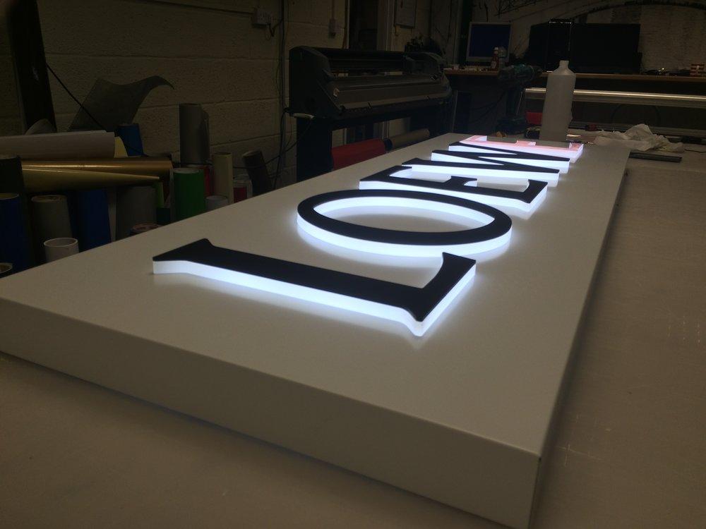 Loewe illuminated tray.JPG