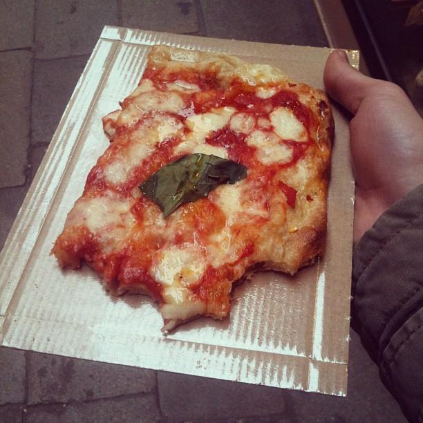 HA HA IM ITALIAN I EAT PIZZA ALL TEH TAIM (Taken with  instagram )