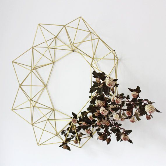 Geometric Brass wreath with dried floral