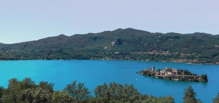 Lago-dOrta-panorama-booking-piemonte.jpg
