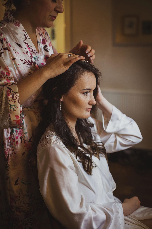 bride getting ready somerset wedding
