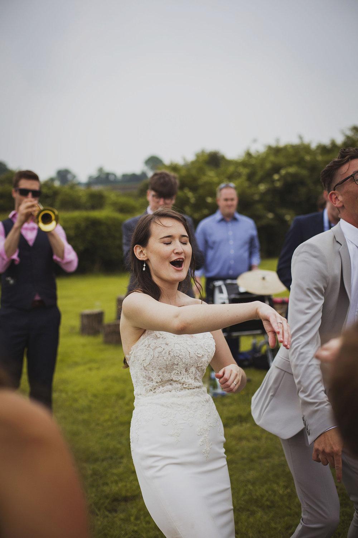 cott+farm+wedding+mikey+and+Emily_064.jpg