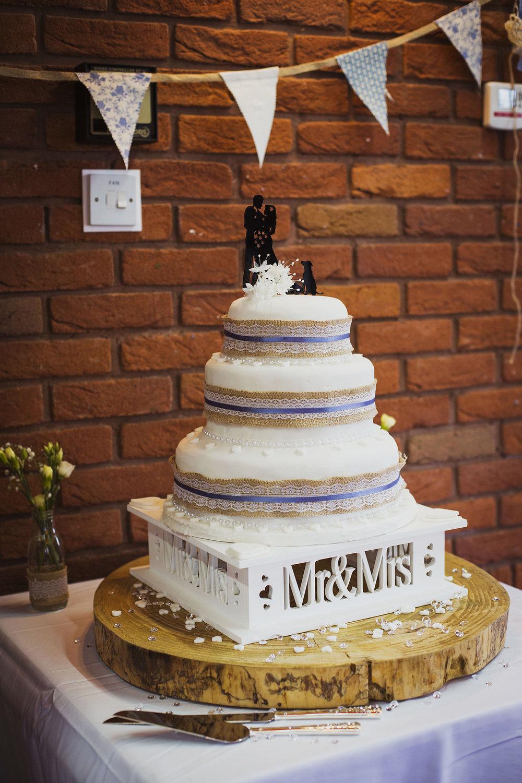 wedding cake at fentham hall diy wedding photography