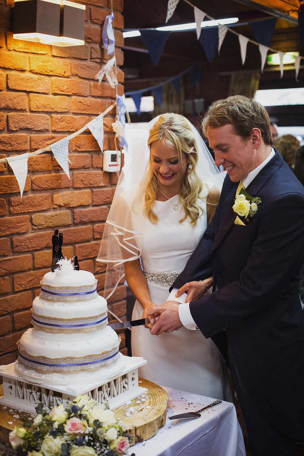 cake cutting at father of the bride speech fentham hall diy wedding photography