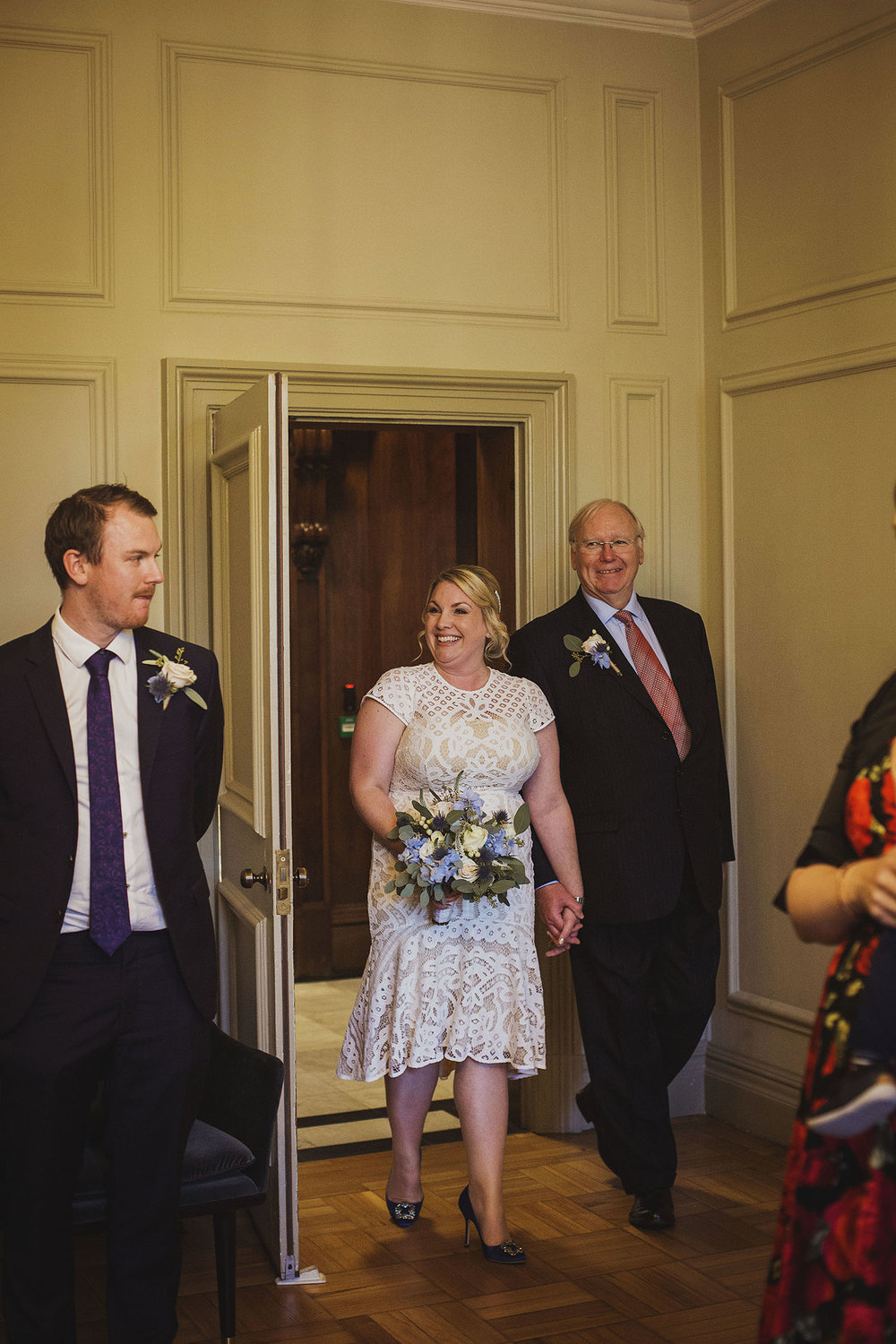 bride arrives pimlico room the old marylebone town hall wedding photographer