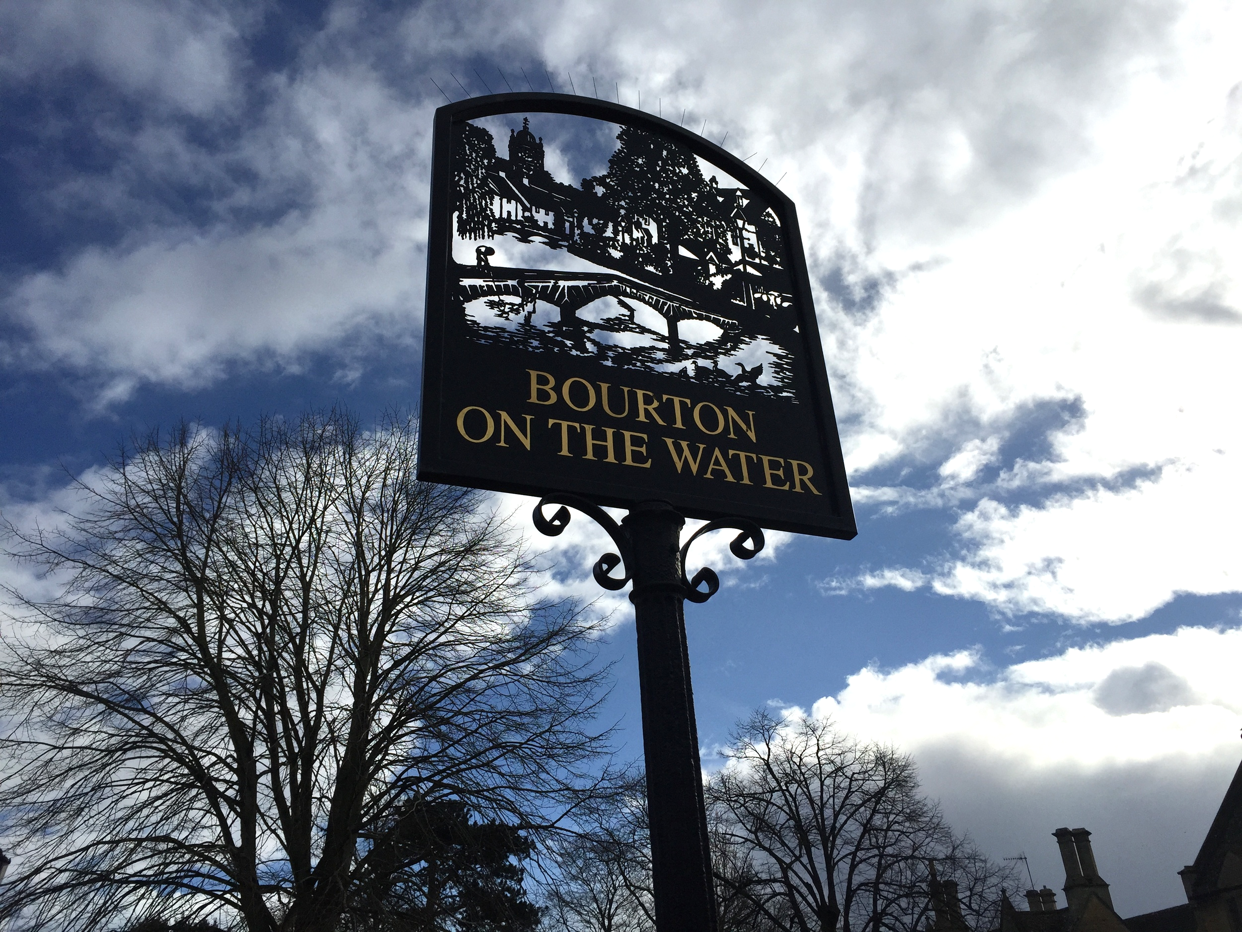 Bourton-on-the-water. Pic @jabberingjourno
