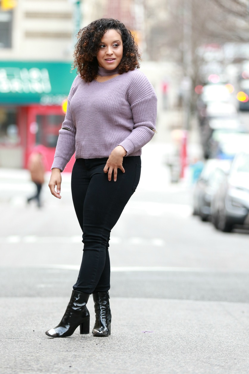spring outfit idea, skinny jeans, black boots, by NYC style blogger Miriam Morales