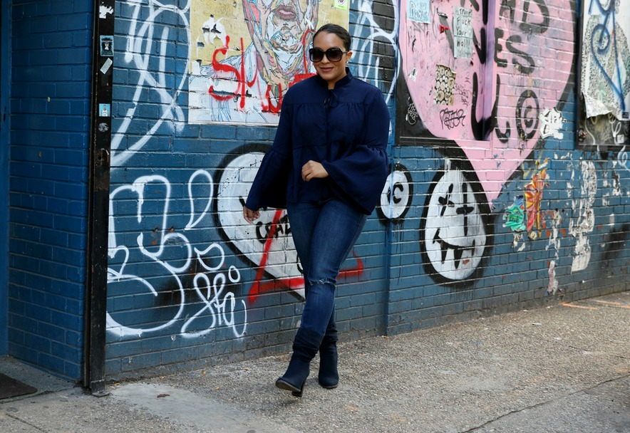 how to wear bell sleeves and navy - by style blogger Miriam Morales