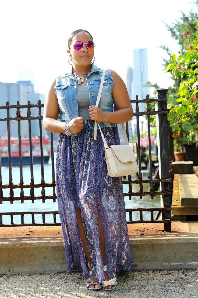 Target double slit skirt