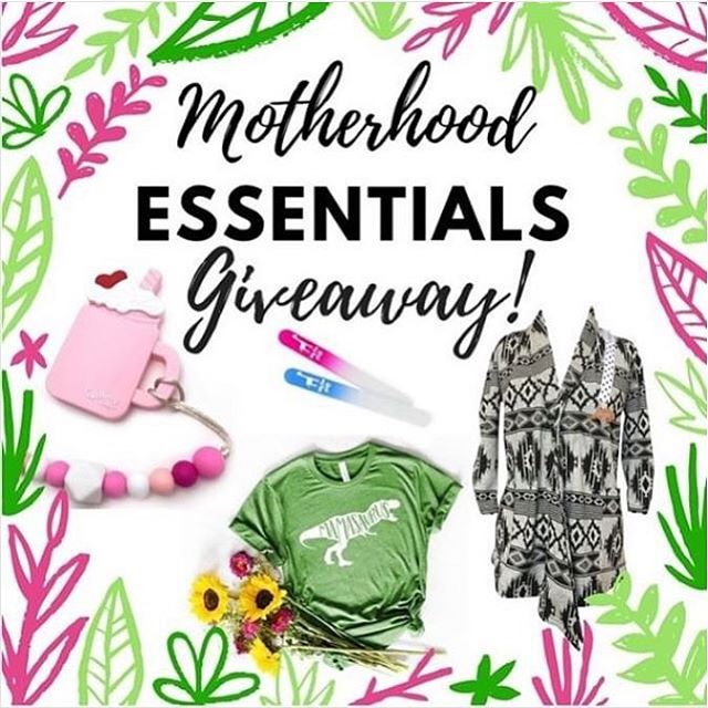🚨Mama Giveaway Time!🚨 I'm so excited to share this Motherhood Essentials Giveaway with you!  What's At Stake? 👚 @louandmimi will hook you up with a fantastic mom-tee of your choice. 👩‍👧‍👦 @themommywrap is giving you an extra hand with a beautiful multipurpose wrap of your choice. 😬 @gummy.chic is soothing your teething babes gums with an adorable teether of your choice. 💅 @babybluegiraffe is helping you with the terrifying task of managing baby nails with a set of glass nail files. .  How To Enter? 1 - Like this post! 2 - Follow ALL five pages ➡️@greenmamagoals ➡️@louandmimi ➡️@themommywrap ➡️@gummy.chic ➡️@babybluegiraffe 3 - Tag friends on @greenmamagoalsgiveaway post for additional entries 4 - Share to your Instagram stories for an additional entry (tag @greenmamagoals to be counted)  TERMS Giveaway ends Saturday, 10/27/18 at 11:59pm CST. Winner will be announced Sunday at the top of the giveaway post 🎉 . Must be in the continental US to enter. Per Instagram rules, this promotion is in no way sponsored, administered, or associated with Instagram. By entering, entrants confirm they are 18+ years of age, release Instagram of responsibility, and agree to Instagram's terms of use.  Good luck! . . . . . #momgiveaway #giveaway #momlife#motherhood #momblogger #momtobe#mommylife #mamatobe #winitwednesday#babyproducts #babygiveaway#gummychic #teethingbaby#teethingsucks #babybluegiraffe#babynails #glassnailfile #louandmimi#momtee #momshirt #themommywrap#mommywrap #cardigan#greenmamagoals #greenmama#greenmom #girlmom #boymom#momofboth #momhacks