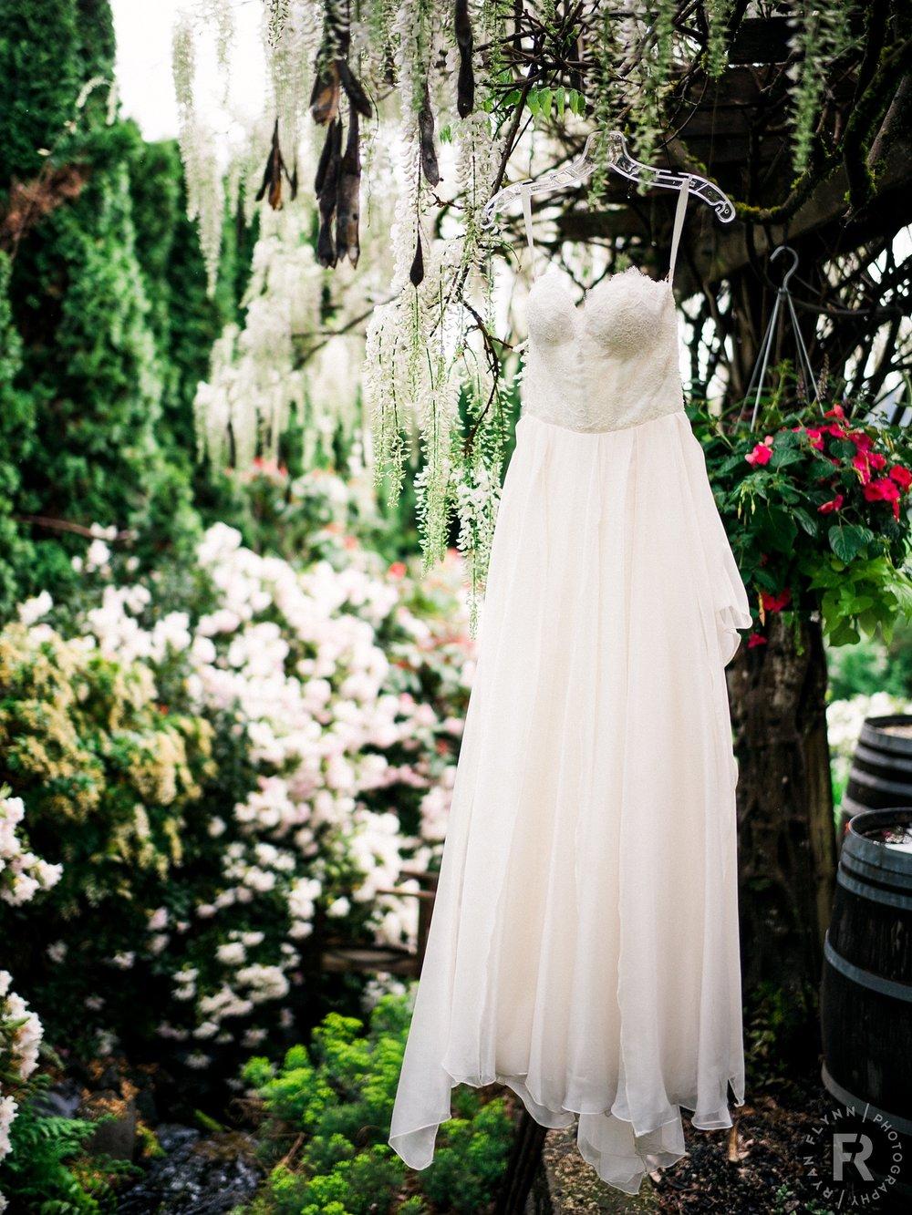 paulinebrent-ryan-flynn-delille-cellars-chateau-wedding-details-0001.JPG
