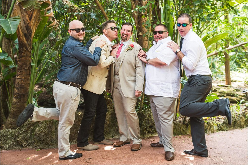 outdoor-rustic-pincrest-gardens-wedding-miami-photographer-jessenia-gonzalez_1070.jpg