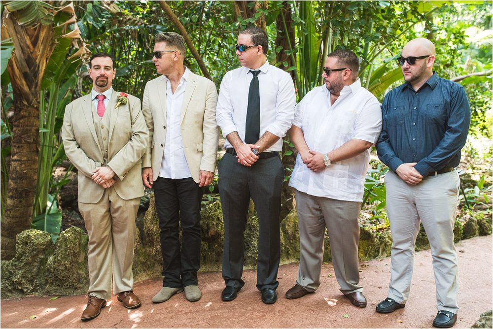 outdoor-rustic-pincrest-gardens-wedding-miami-photographer-jessenia-gonzalez_1069.jpg