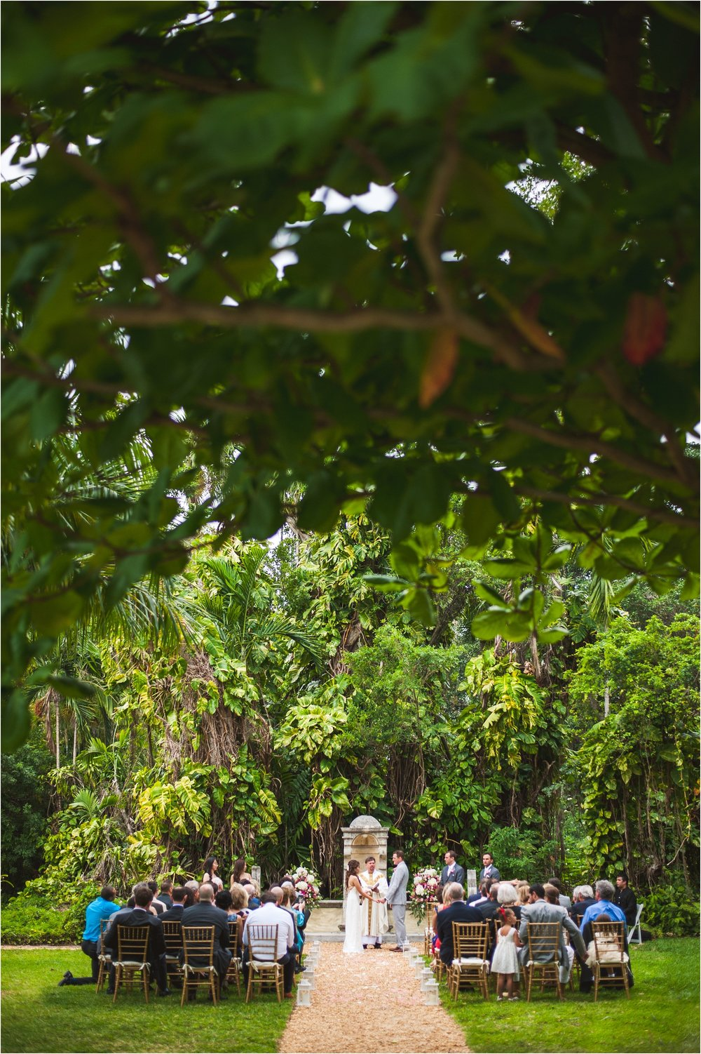 Spanish-Monastery-miami-beach-outdoor-elegant-wedding-photographer-jessenia-gonzalez_1156.jpg