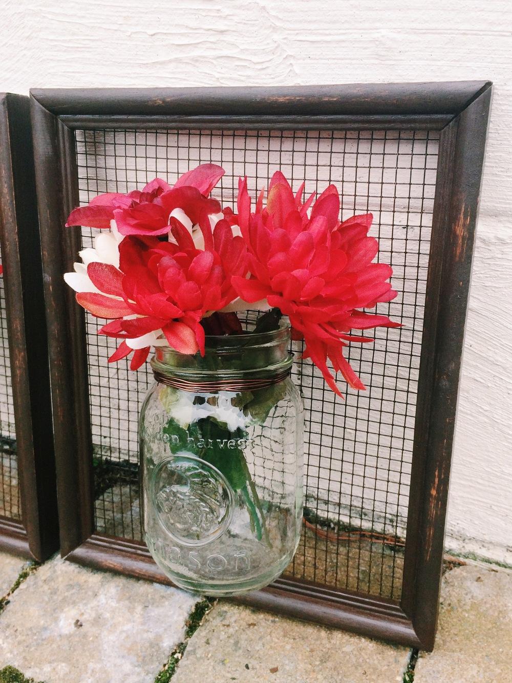 Framed flower vases with hardware cloth or chicken wire maria framed flower vases with hardware cloth or chicken wire maria makes food diy blog reviewsmspy